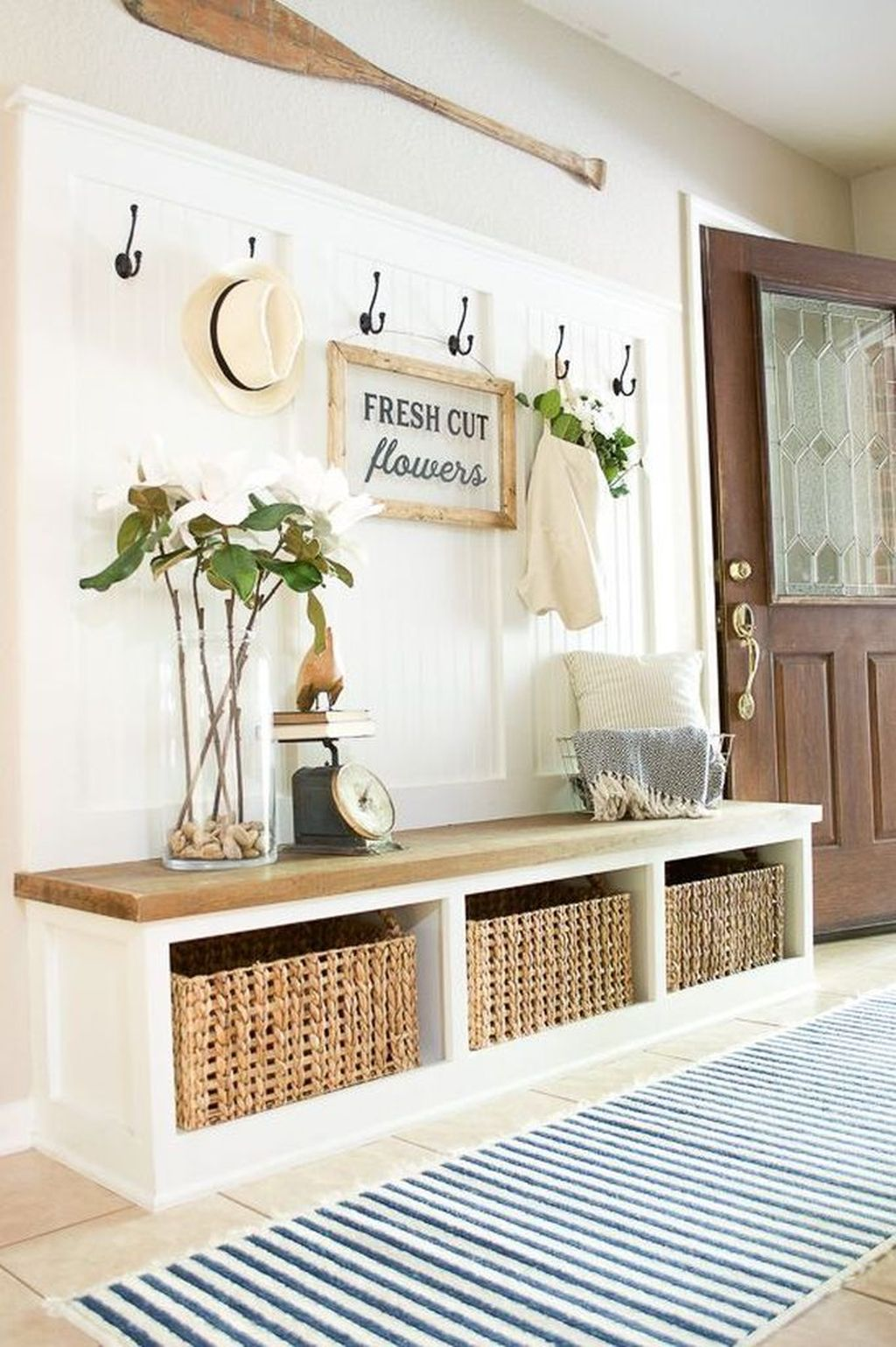 Popular Entryway Decor Ideas You Should Copy Now 32
