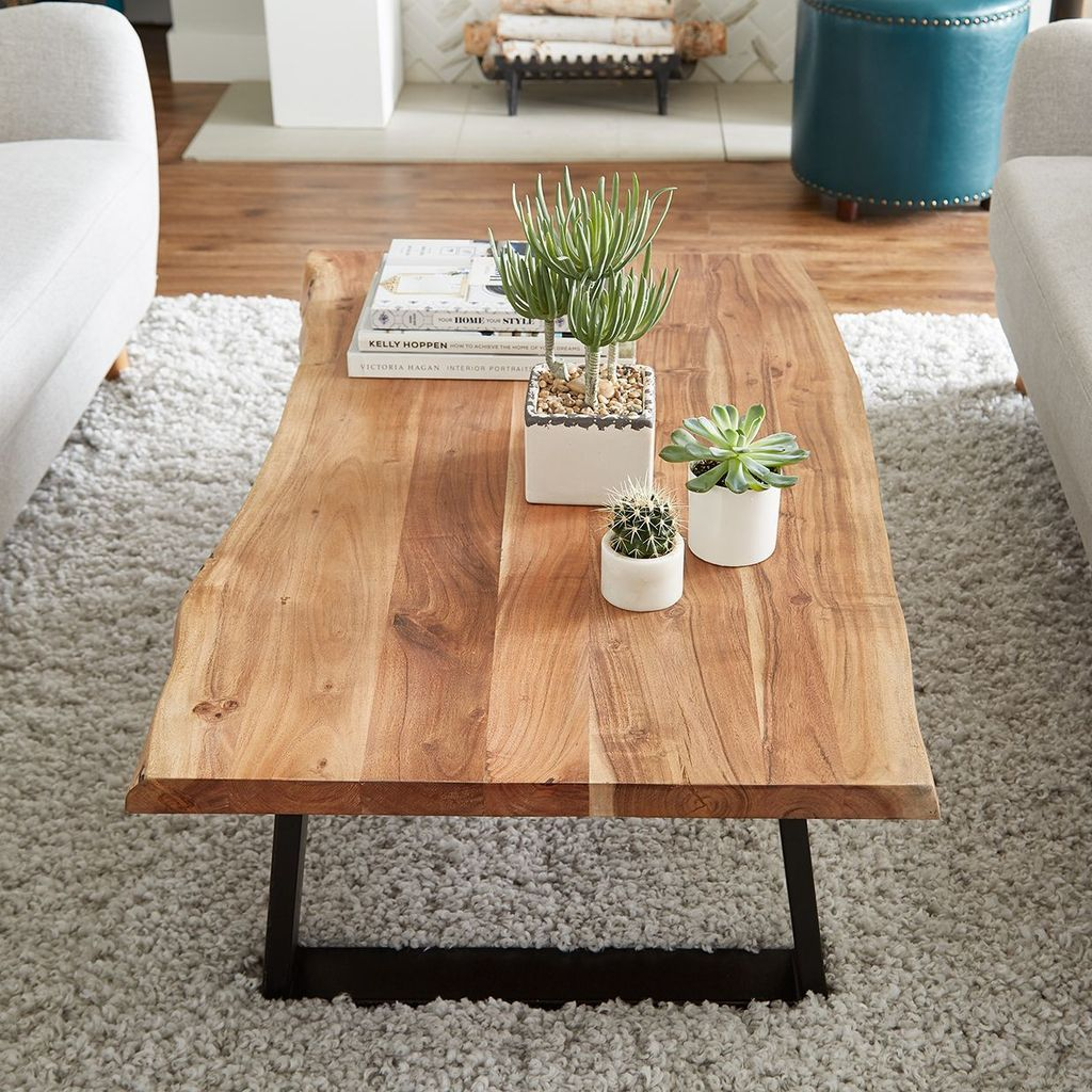 Stunning Coffee Table Design Ideas To Decorate Your Living Room 07