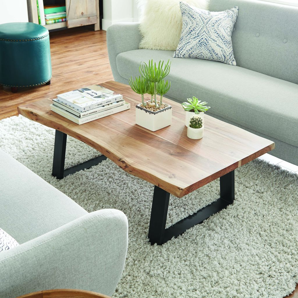 Stunning Coffee Table Design Ideas To Decorate Your Living Room 11