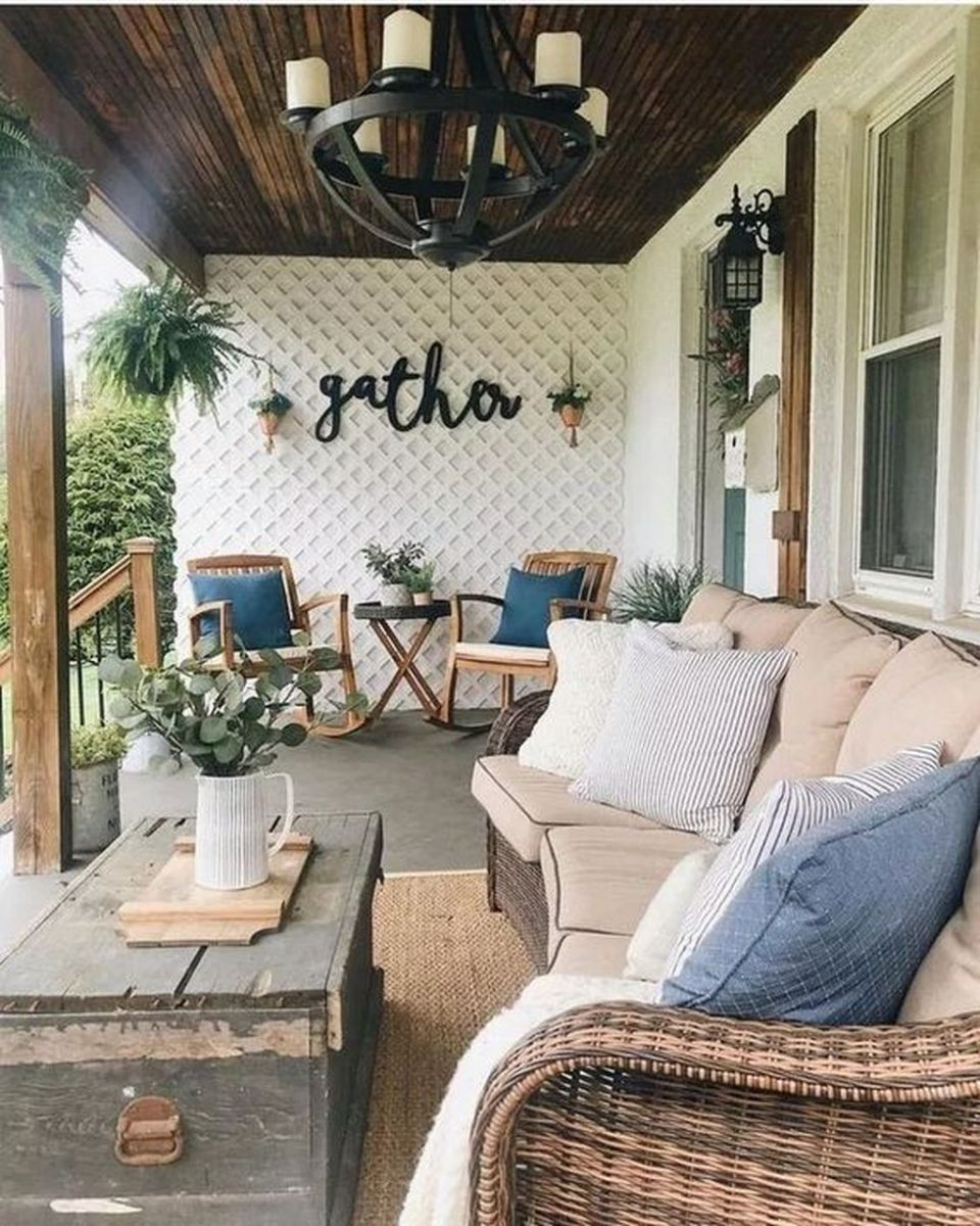 The Best Small Front Porch Ideas To Beautify Your Home 06