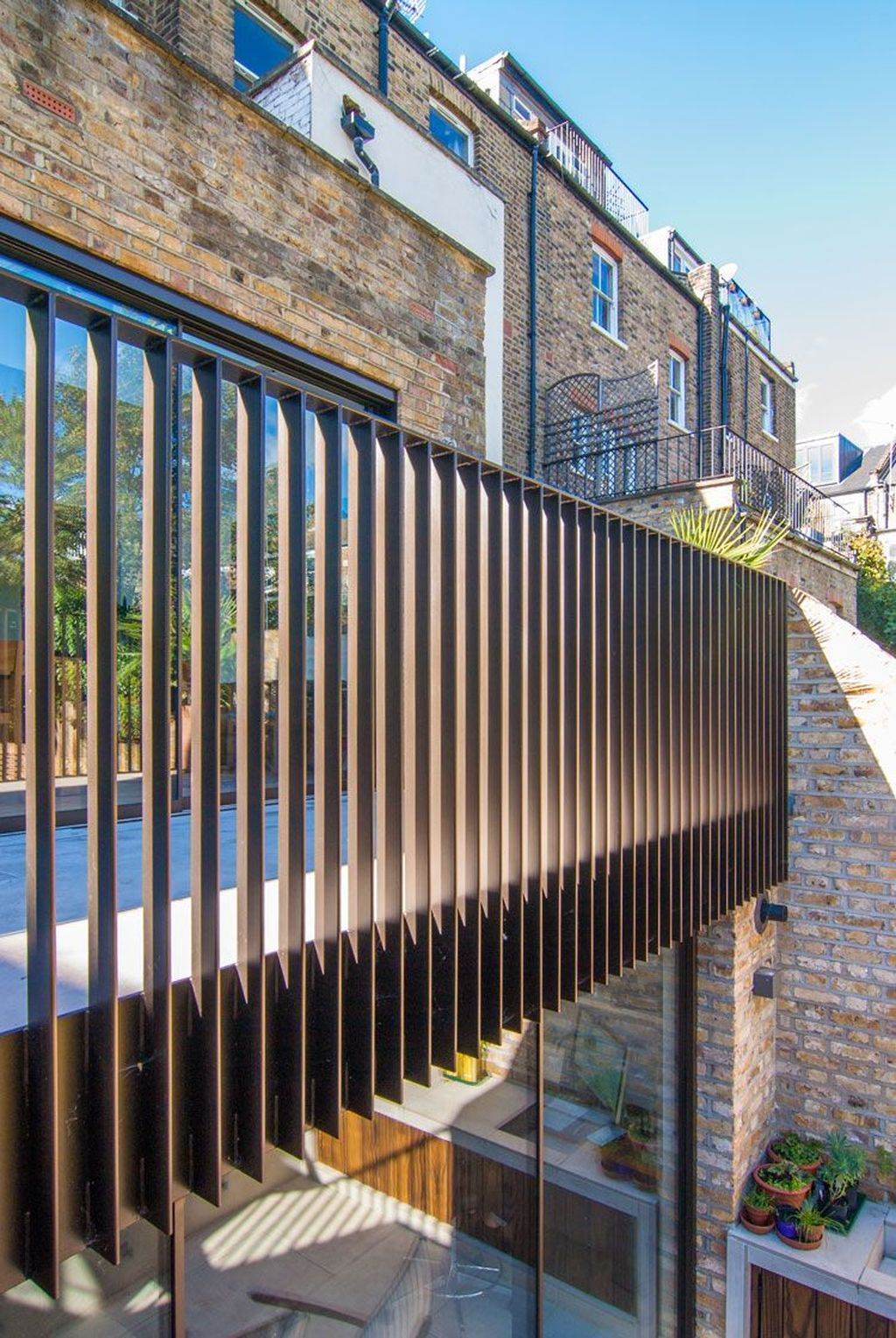 Awesome Balcony Railing Design Ideas To Beautify Your Exterior 05