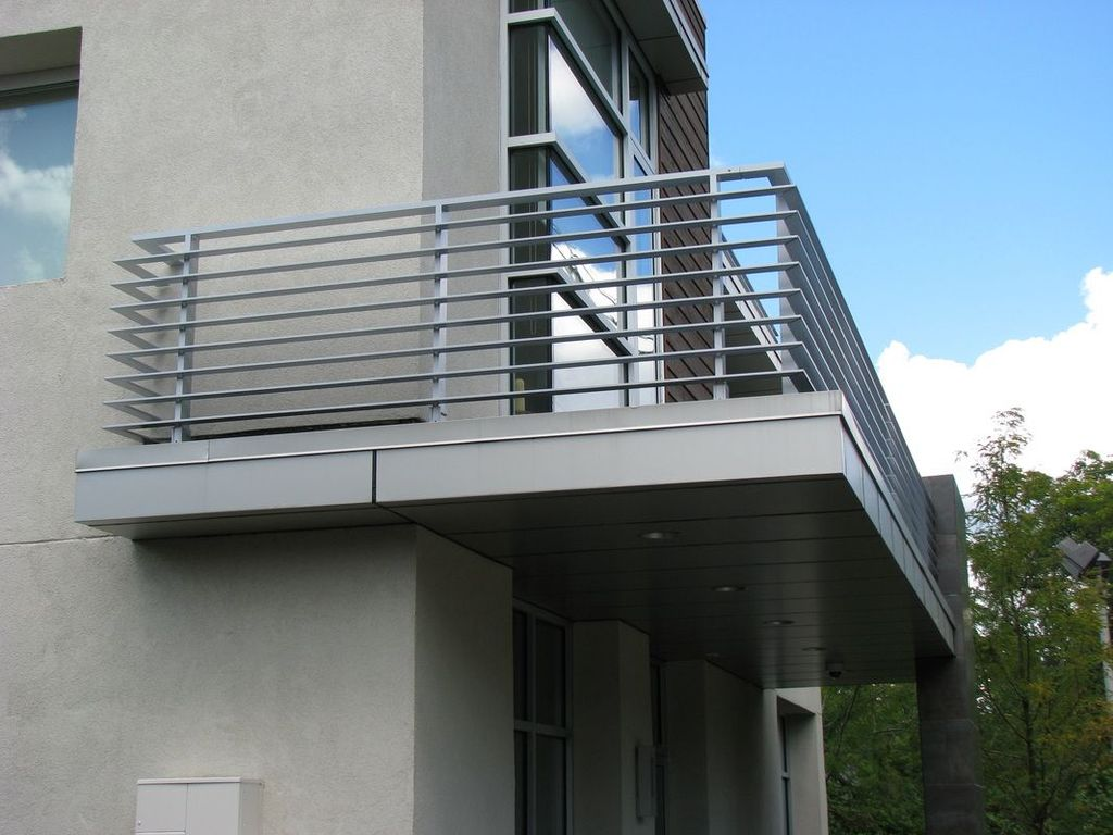 Awesome Balcony Railing Design Ideas To Beautify Your Exterior 22