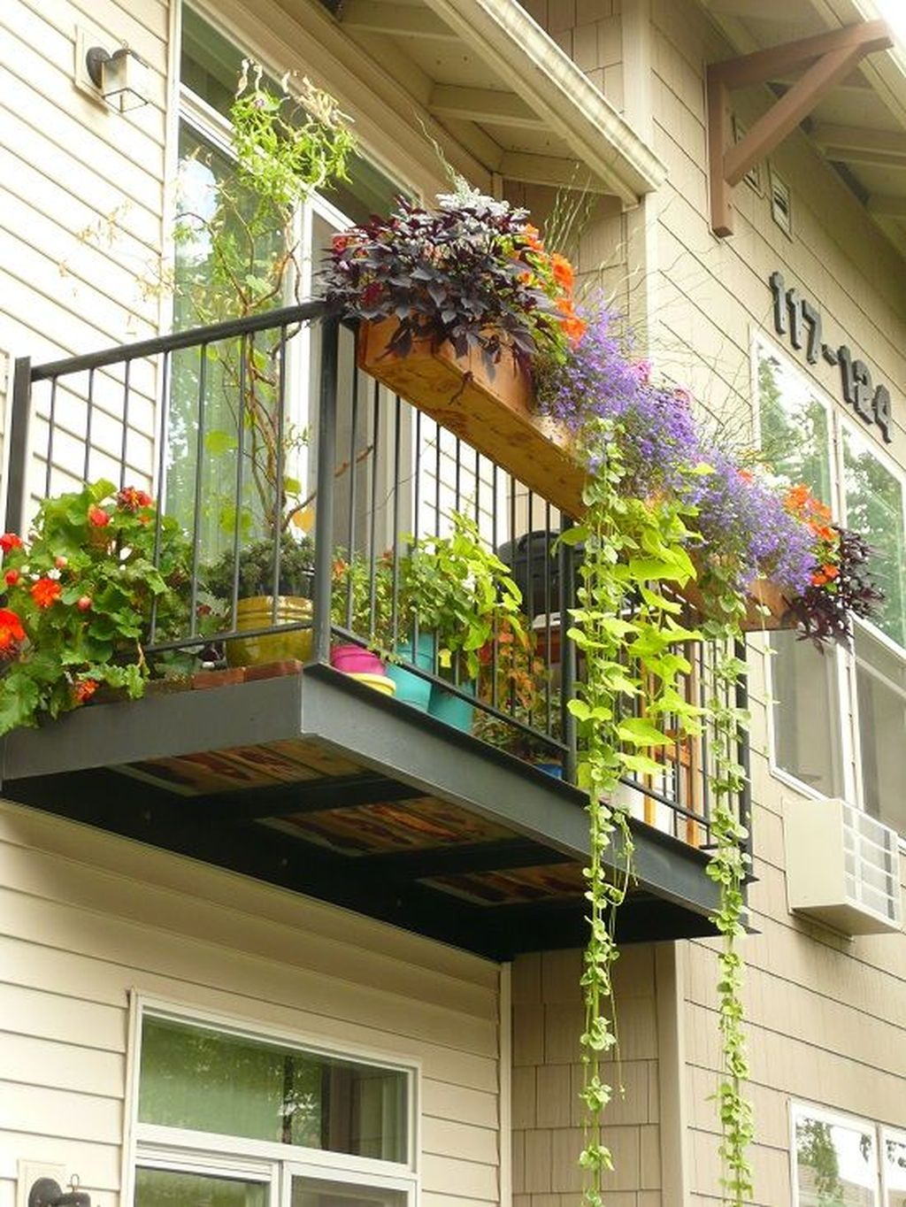 Awesome Balcony Railing Design Ideas To Beautify Your Exterior 29