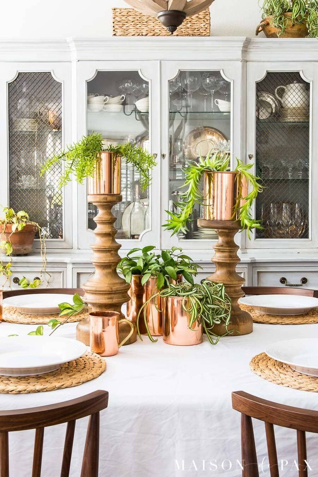 Awesome Spring Table Centerpieces With Farmhouse Style 12