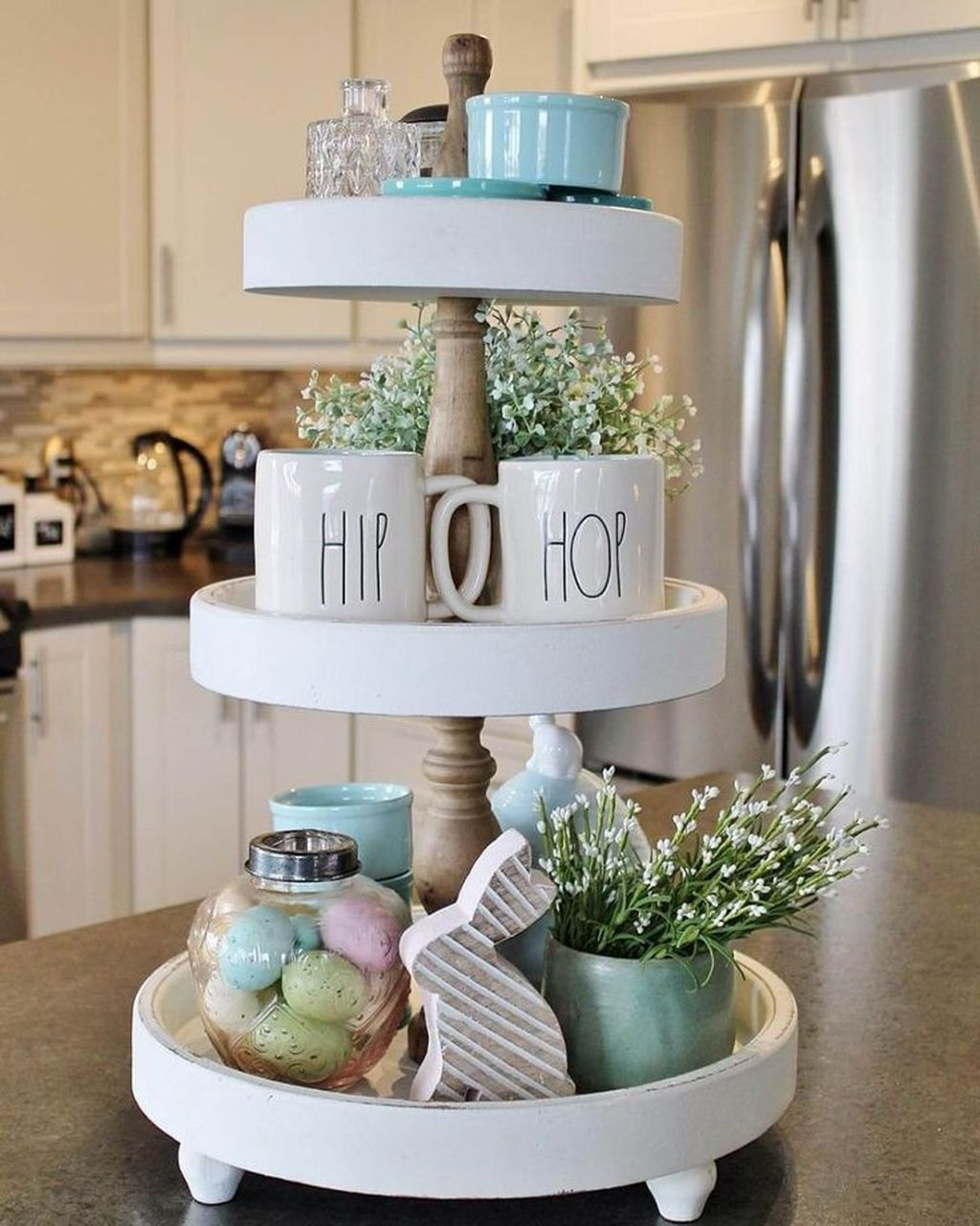 Awesome Spring Table Centerpieces With Farmhouse Style 14
