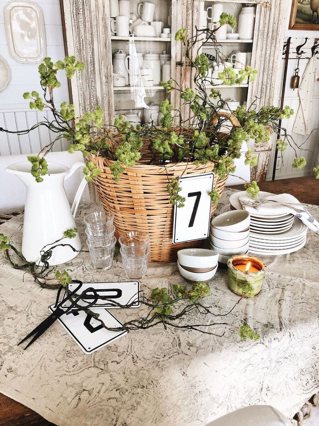 Awesome Spring Table Centerpieces With Farmhouse Style 15