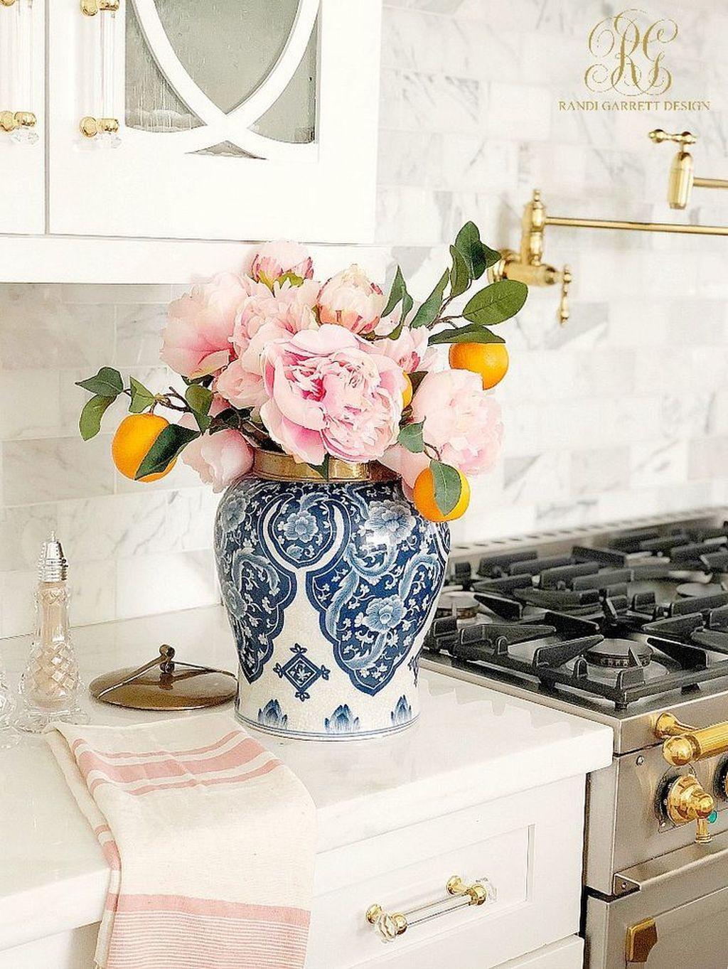 Beautiful Spring Floral Arrangements For Home Decoration 02
