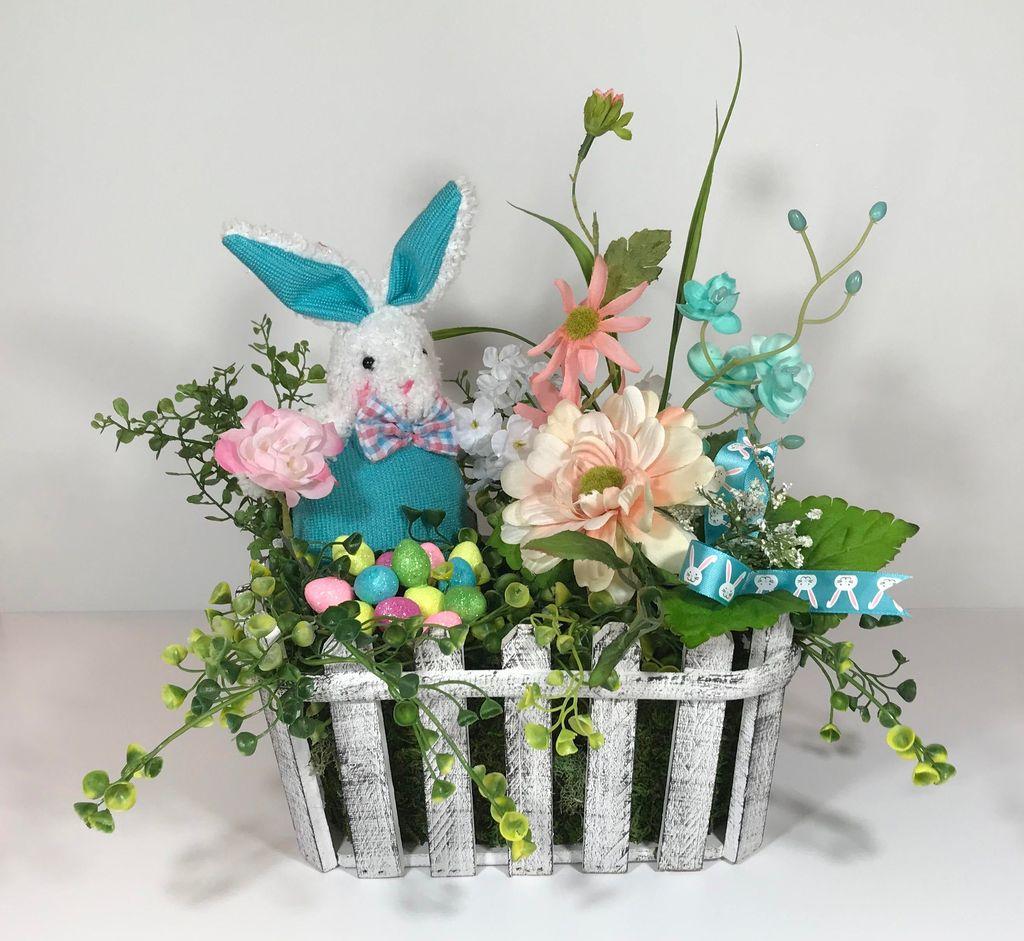 Beautiful Spring Floral Arrangements For Home Decoration 13