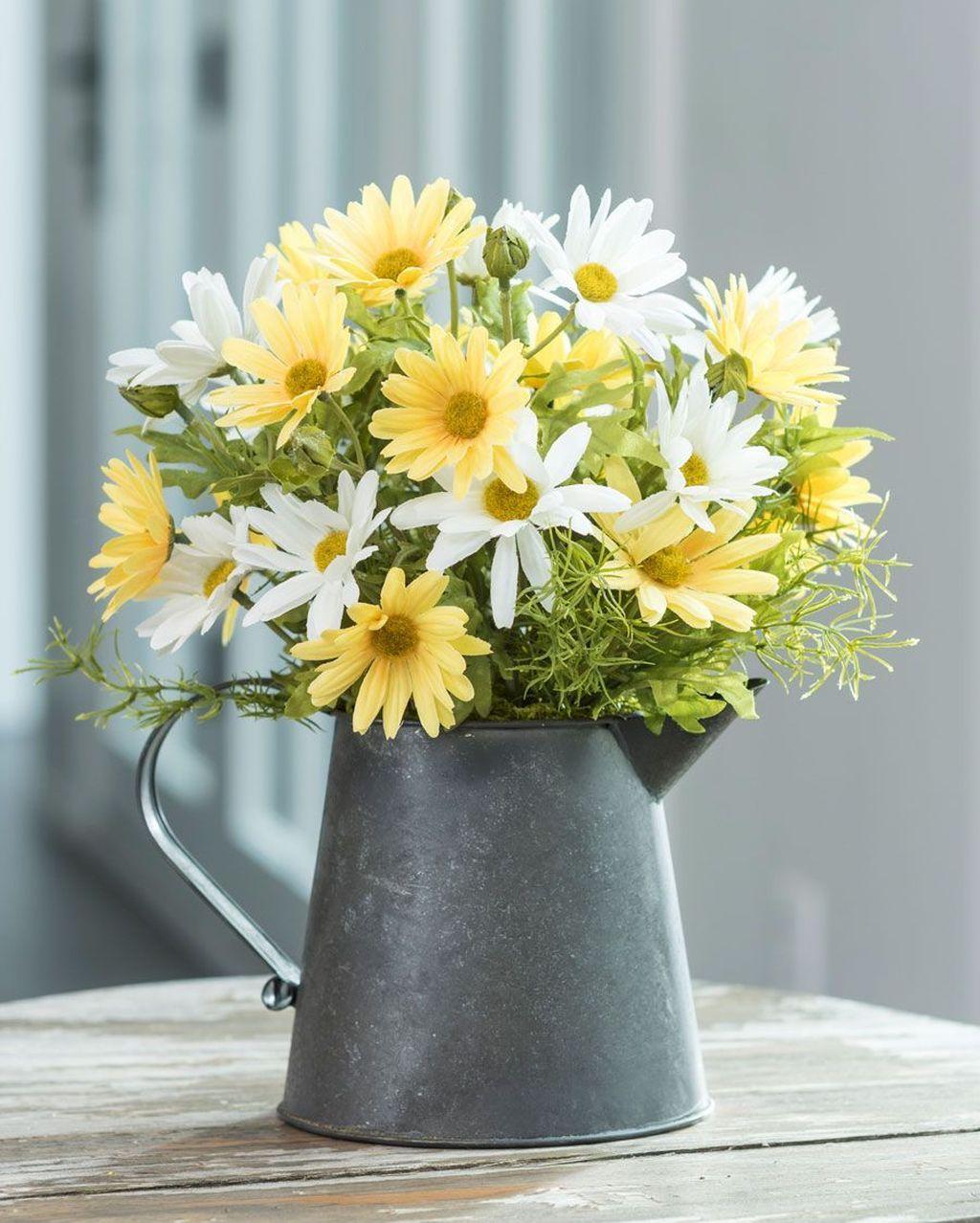 Beautiful Spring Floral Arrangements For Home Decoration 15