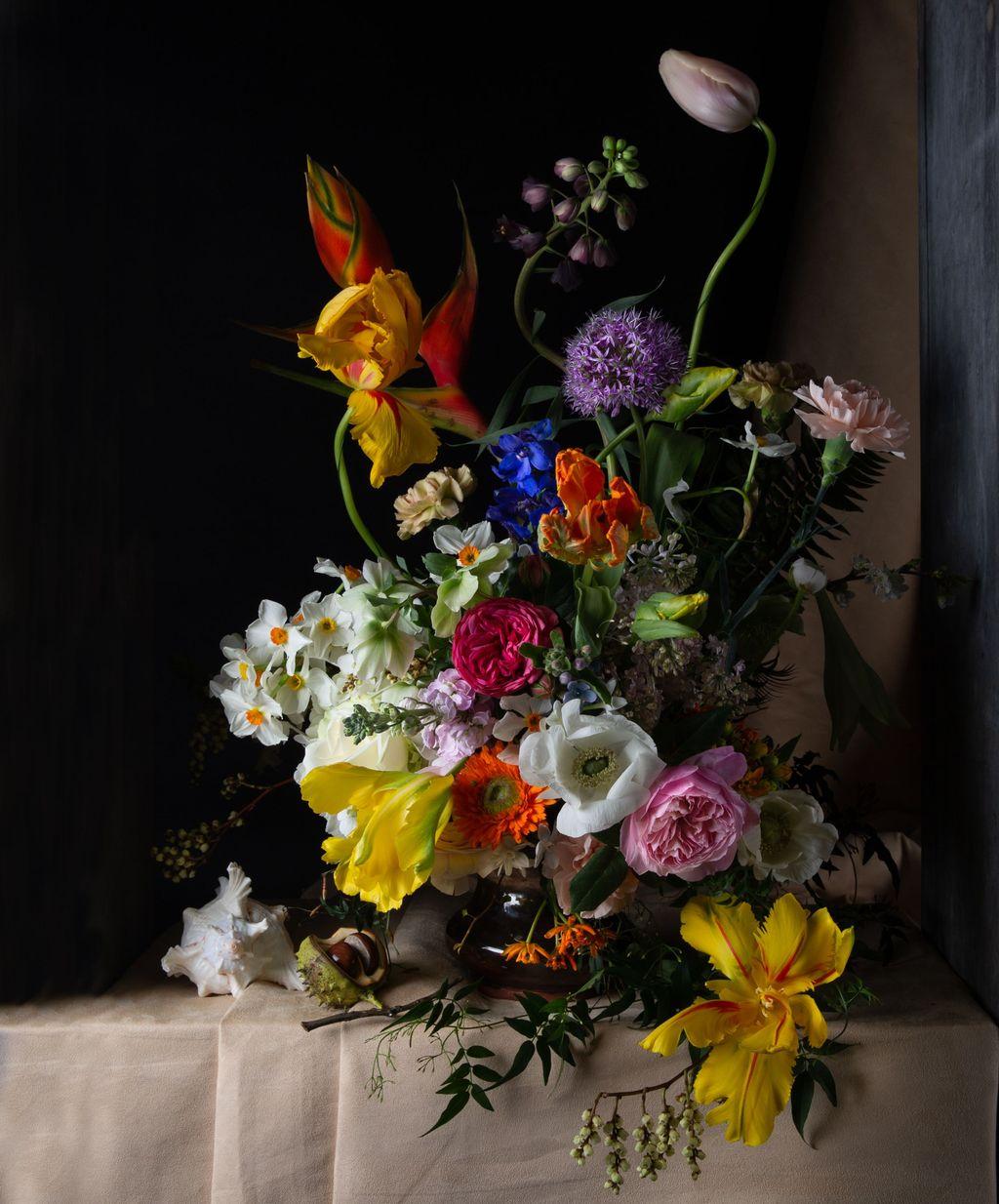Beautiful Spring Floral Arrangements For Home Decoration 21