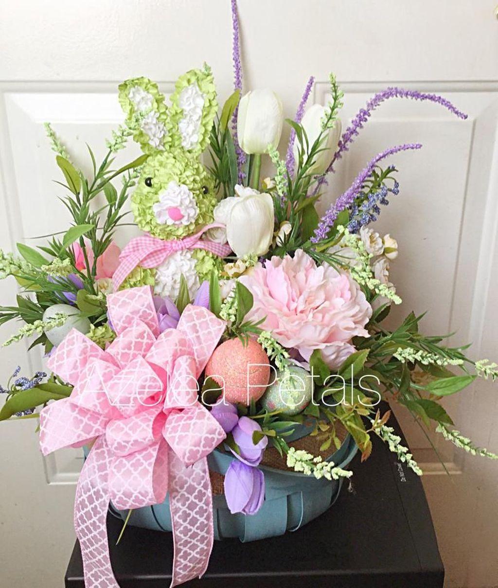 Beautiful Spring Floral Arrangements For Home Decoration 33