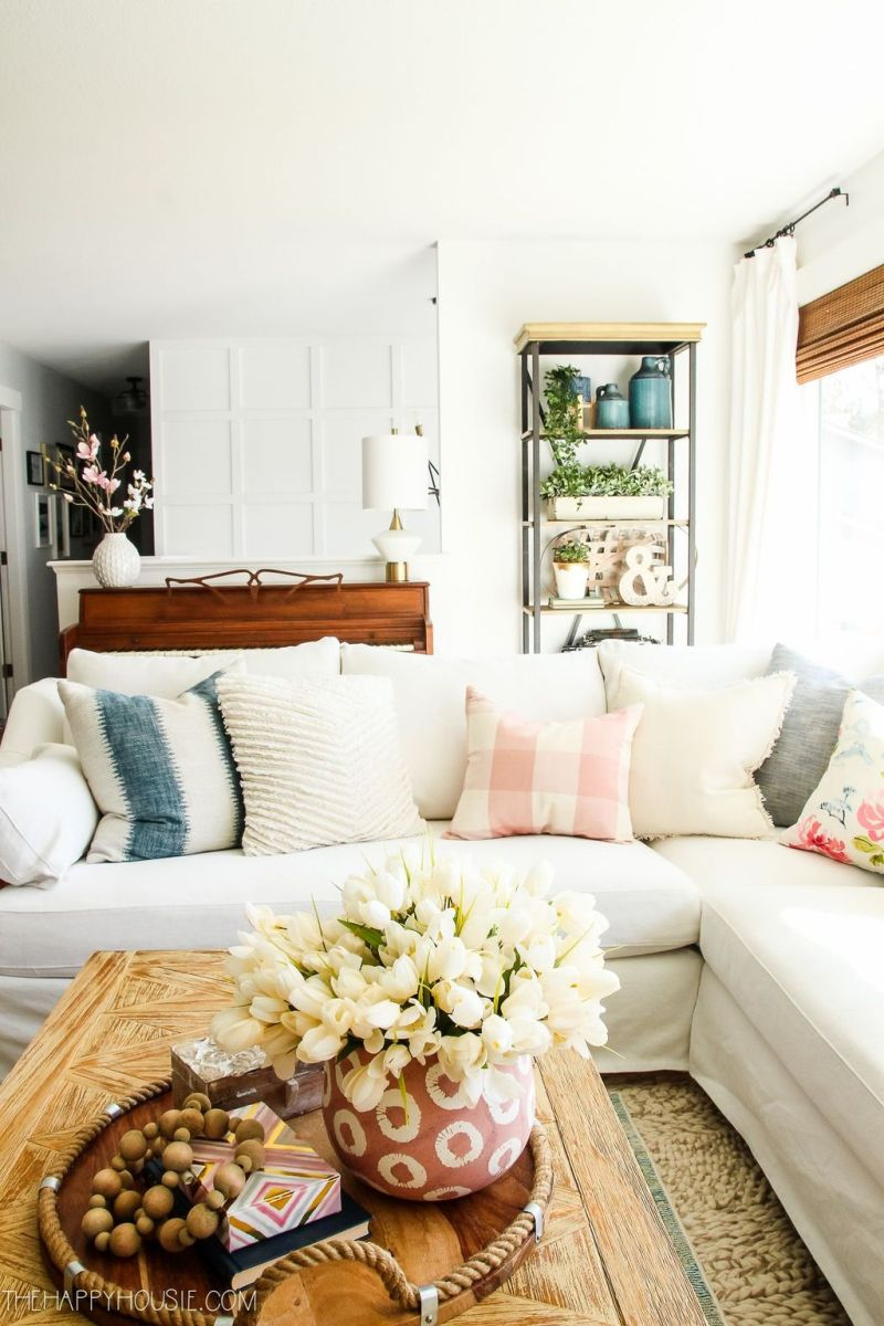 Fabulous Spring Living Room Decor Ideas 01
