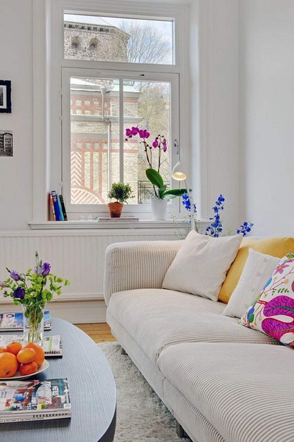 Fabulous Spring Living Room Decor Ideas 10