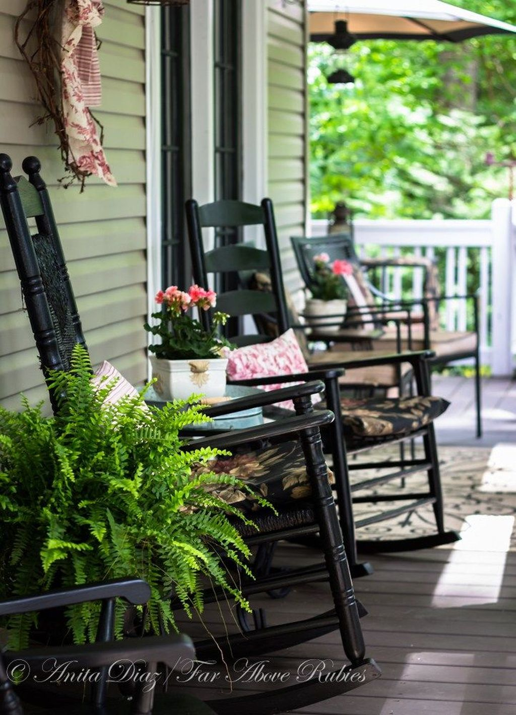 Fascinating Spring Porch Decor Ideas With Farmhouse Style 06