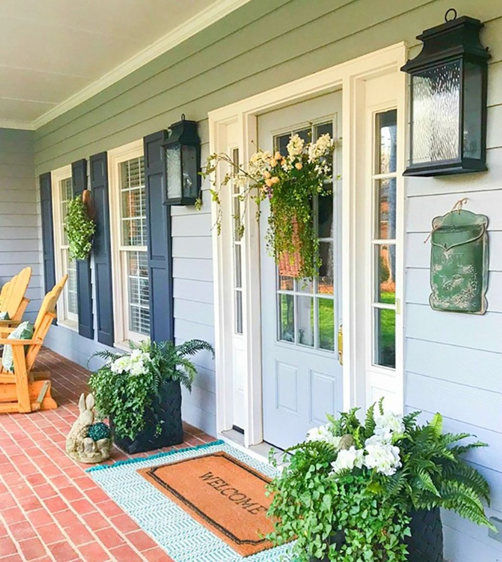 Fascinating Spring Porch Decor Ideas With Farmhouse Style 21