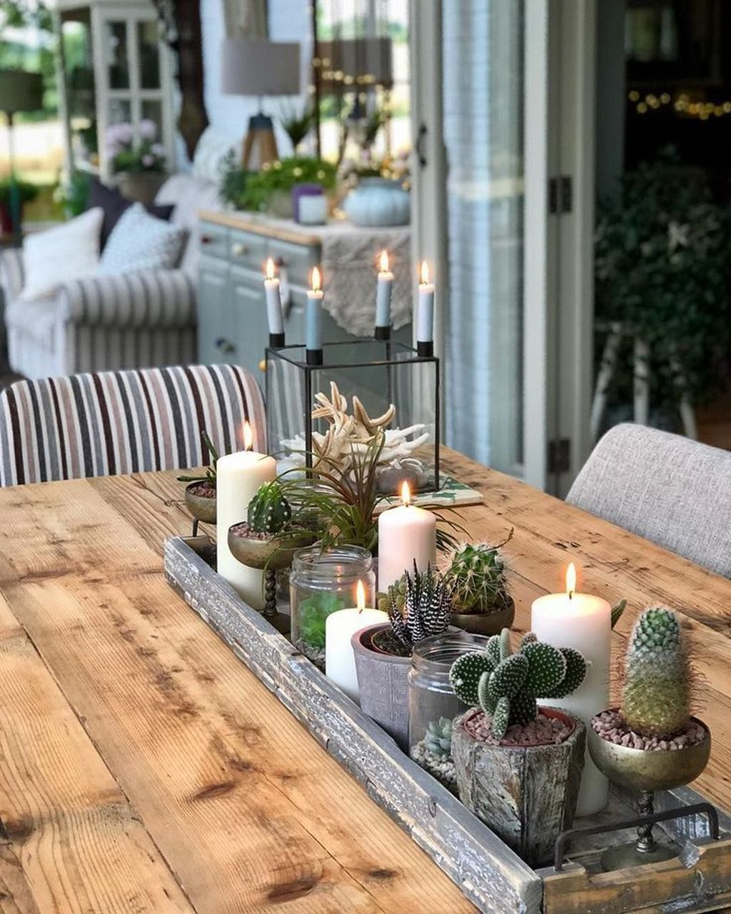 Inspiring Spring Table Centerpieces Best For Dining Room 08