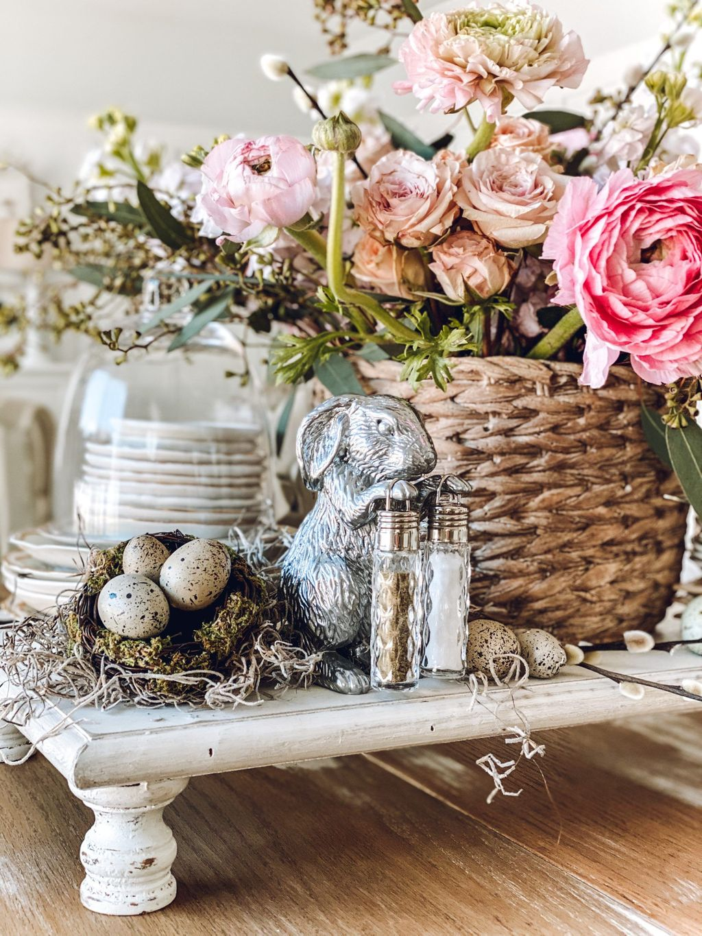 Inspiring Spring Table Centerpieces Best For Dining Room 21
