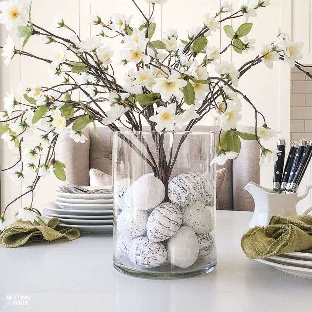 Inspiring Spring Table Centerpieces Best For Dining Room 31