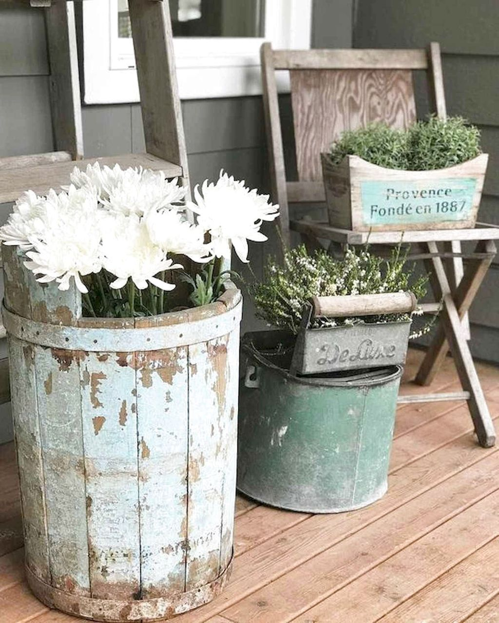 Perfect Farmhouse Spring Decor Ideas 28