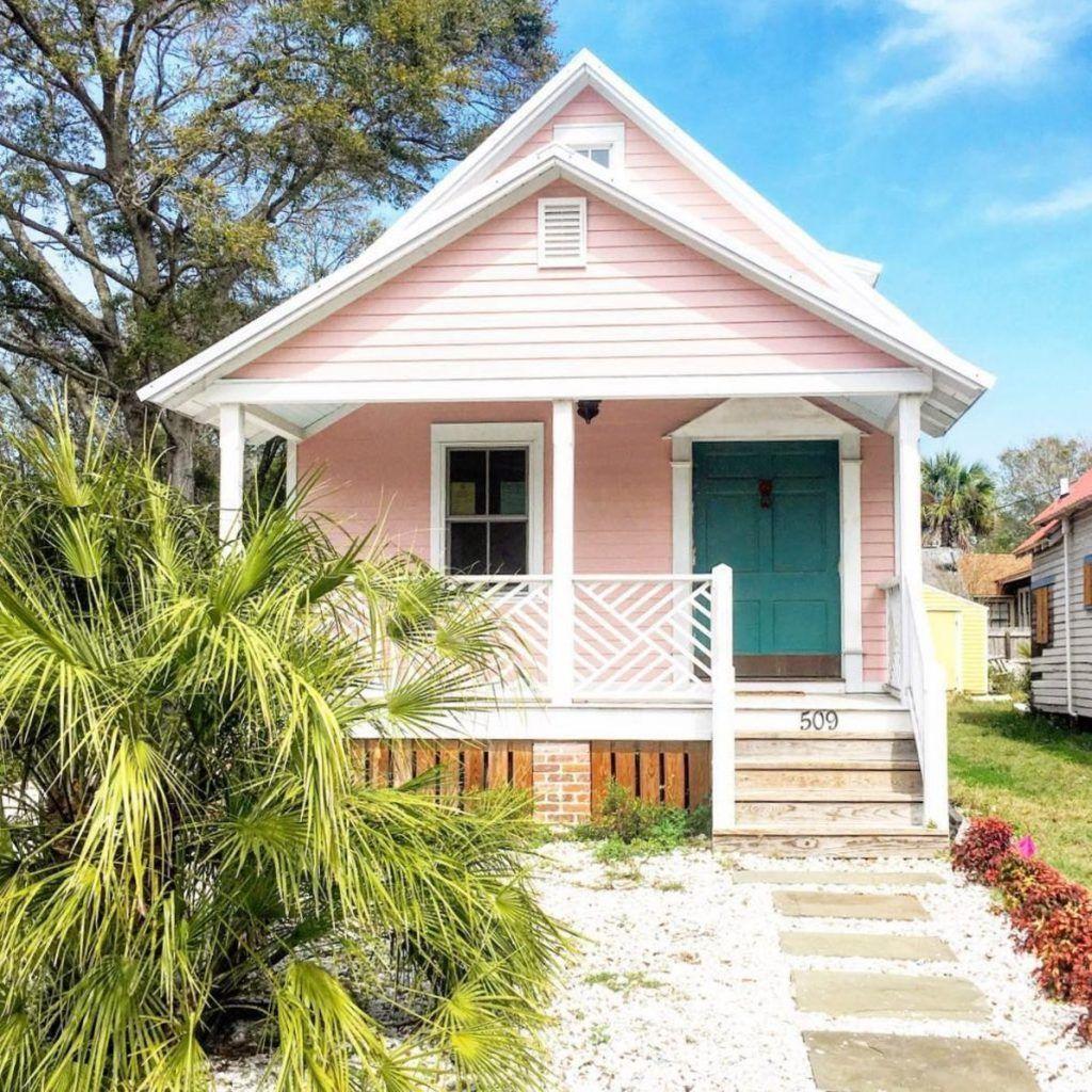 Admirable Beach House Exterior Design Ideas You Will Love 30