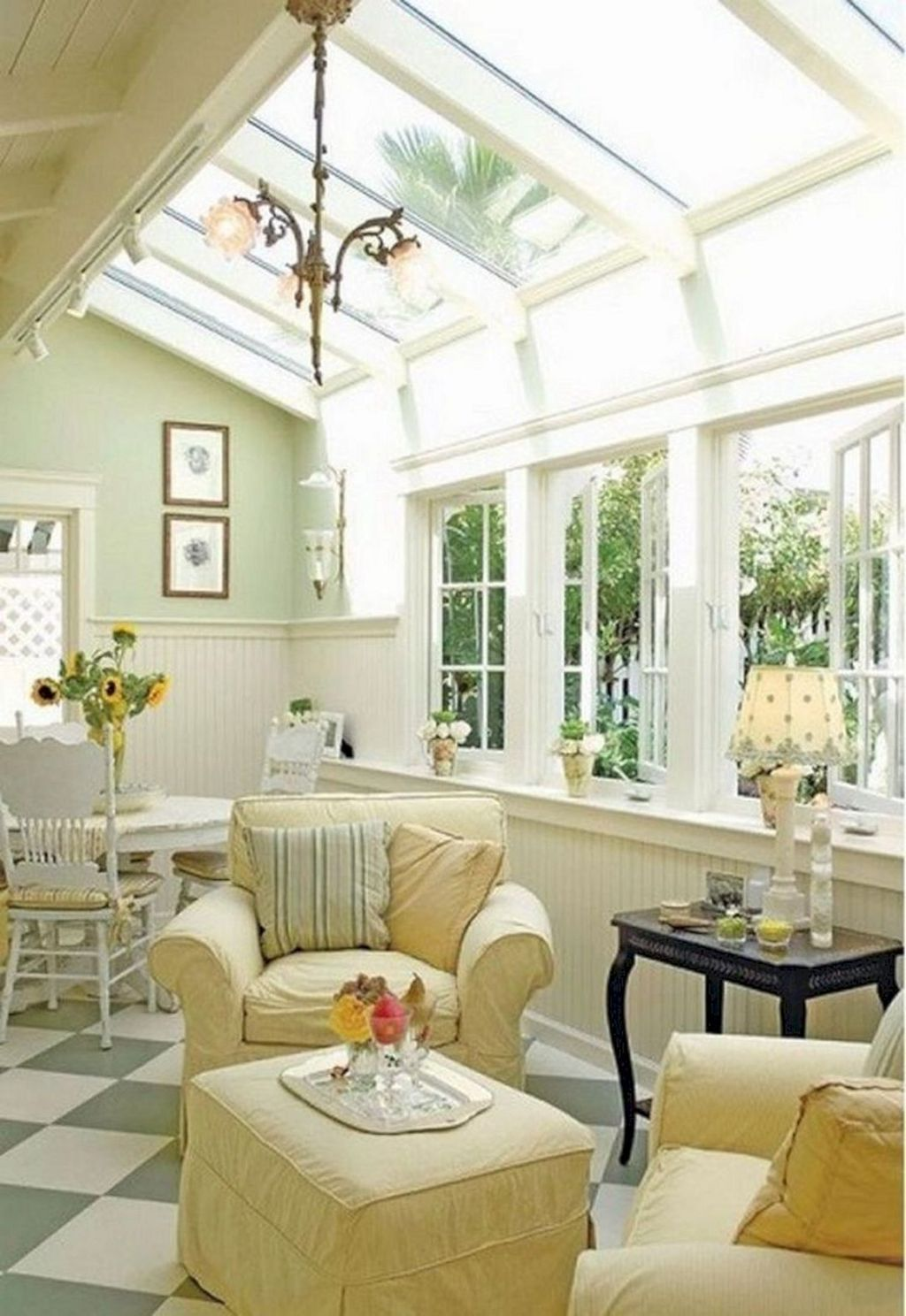 Admirable Sunroom Design Ideas You Must Have 04