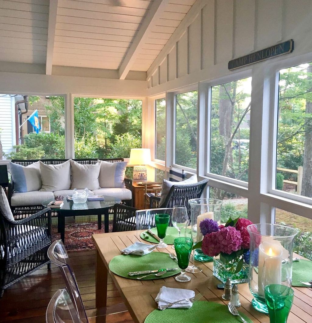 Admirable Sunroom Design Ideas You Must Have 07
