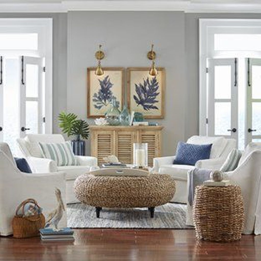 Beautiful Coastal Living Room Decor Ideas Best For This Summer 03