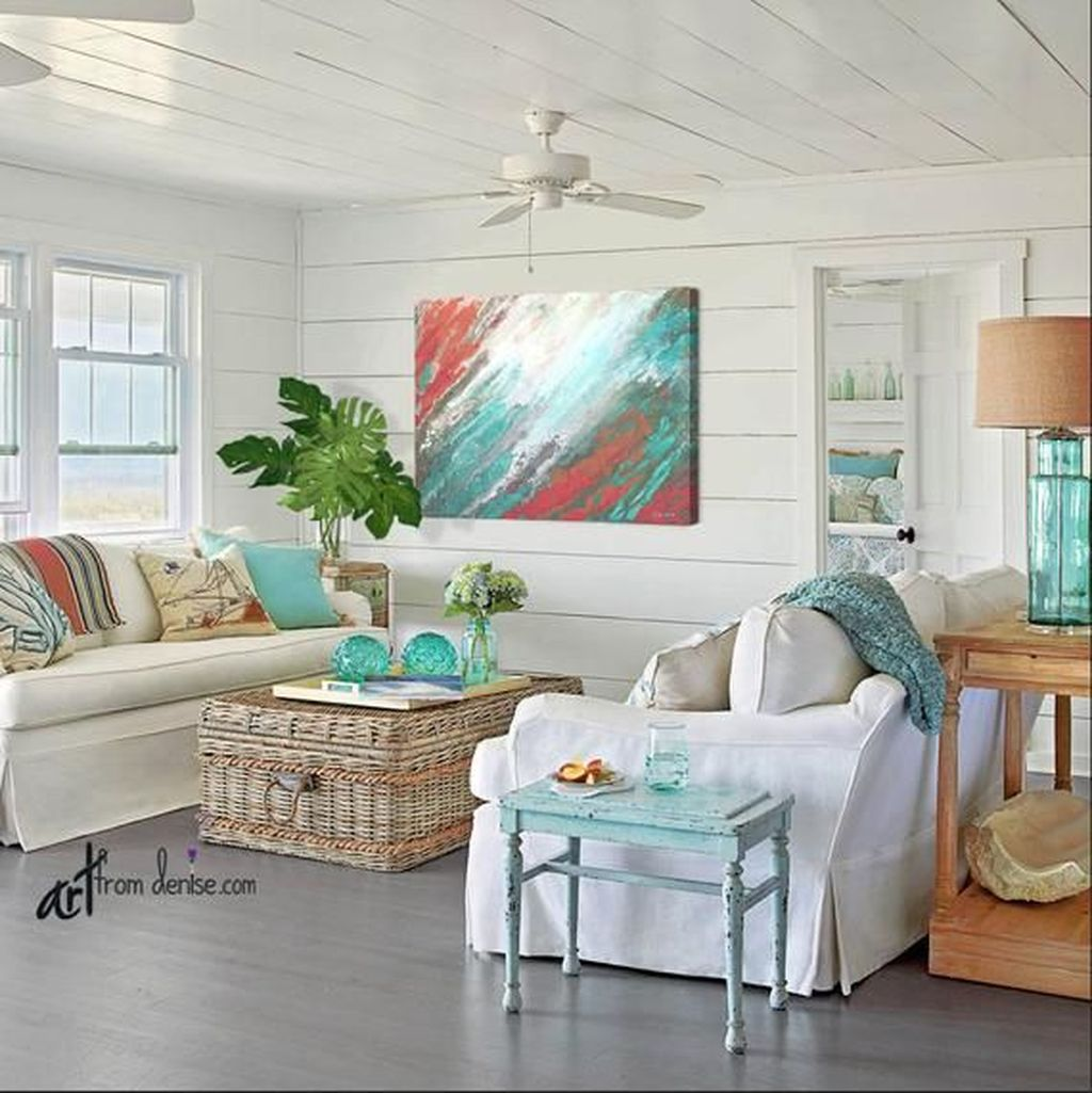 Beautiful Coastal Living Room Decor Ideas Best For This Summer 05