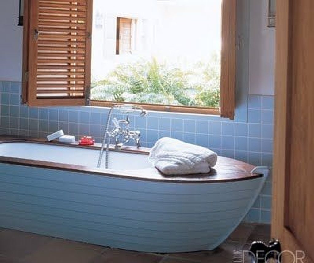 Fabulous Coastal Style Bathroom Decor Ideas 04