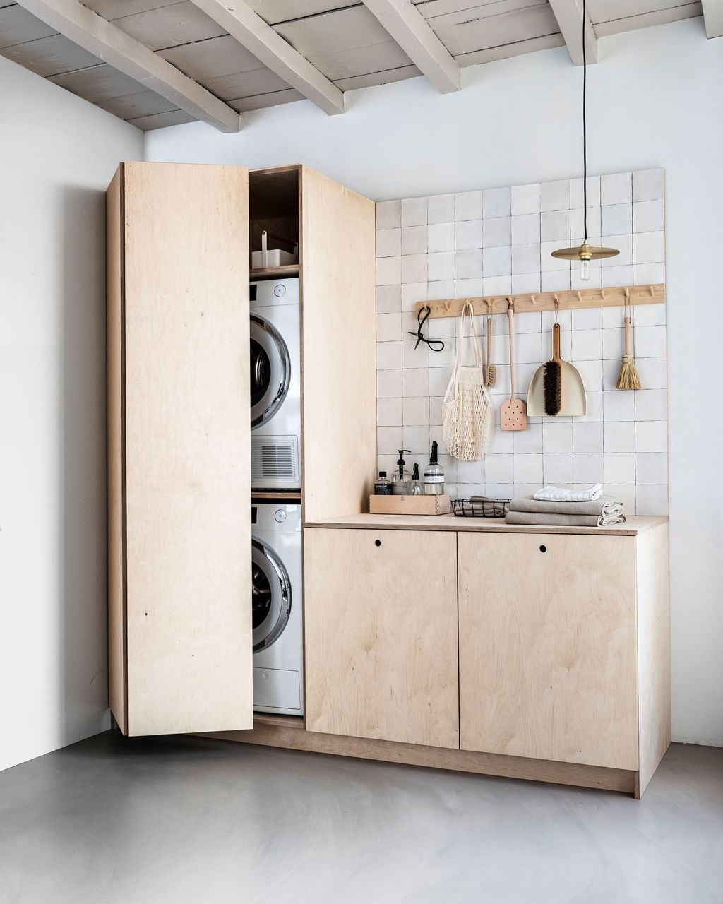 Fabulous Scandinavian Laundry Room Design Ideas 10