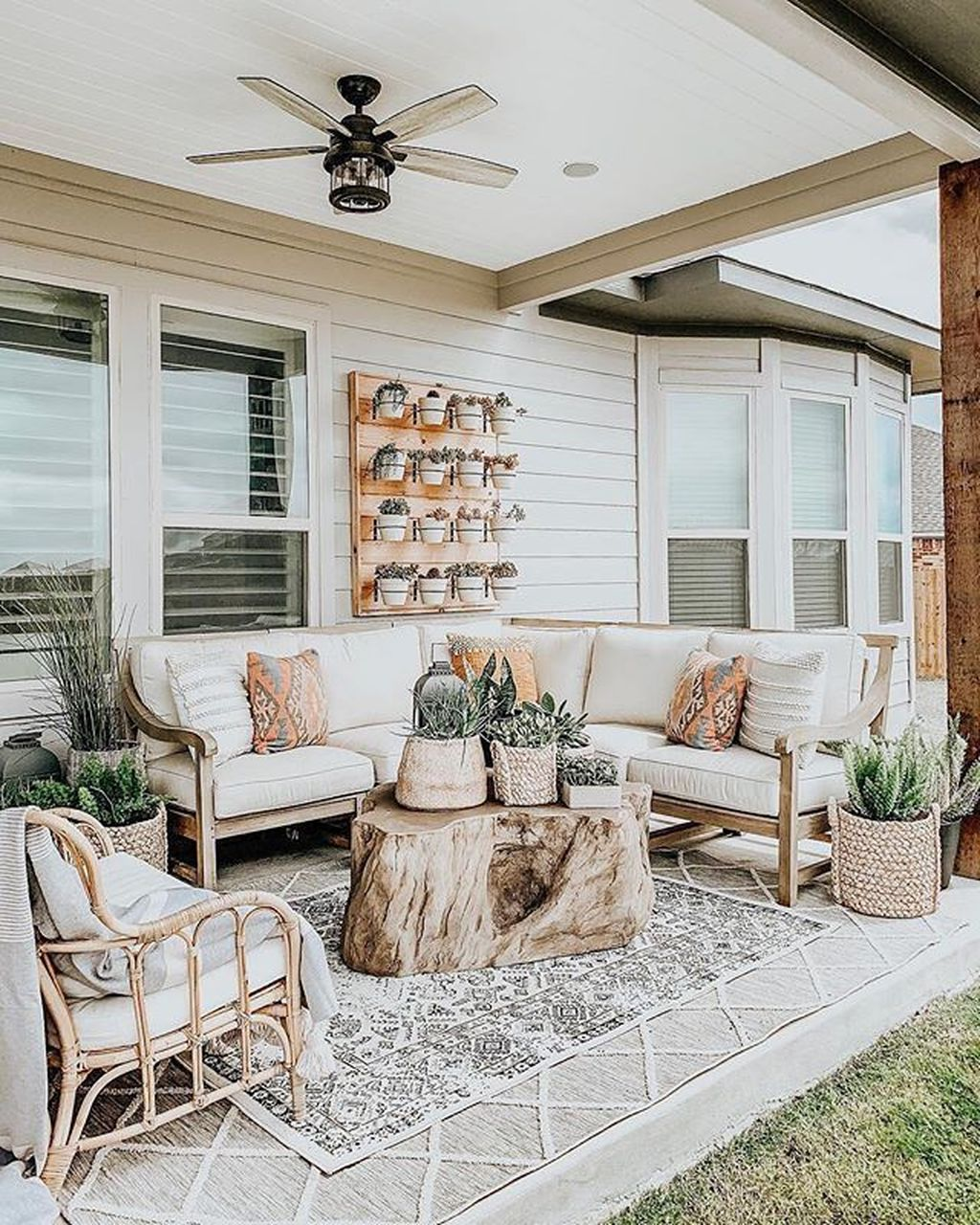 Fascinating Summer Patio Ideas To Beautify Your Garden 32