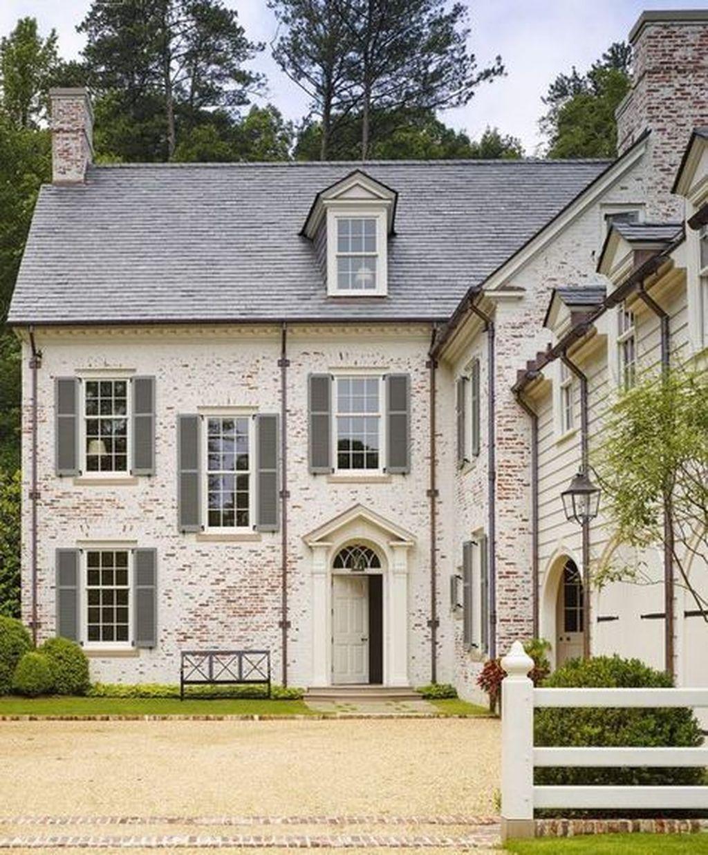 Impressive Brick House Exterior Design Ideas That You Definitely Like 01