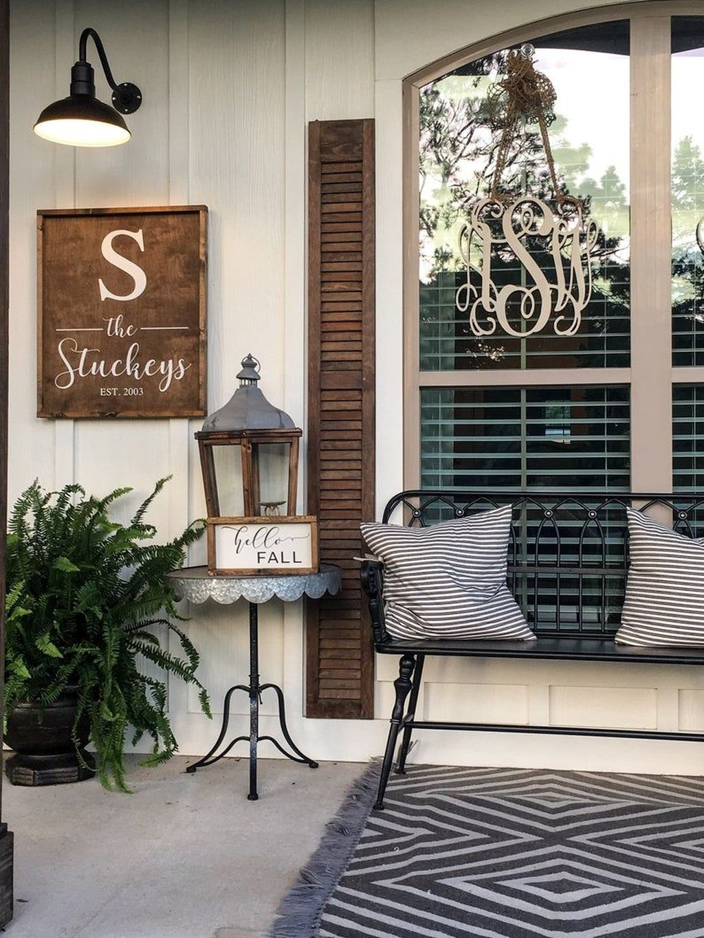 Lovely Rustic Porch Ideas To Beautify Your Home 27