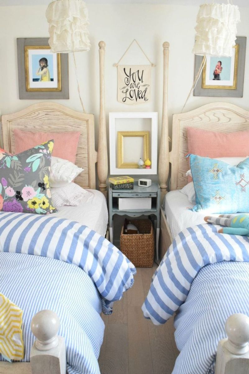 Popular Summer Bedding Ideas To Beautify Your Bedroom 15