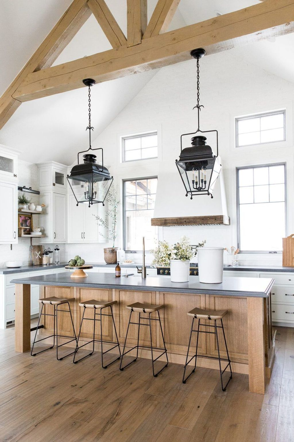 The Best Modern Farmhouse Kitchen Design Ideas 04