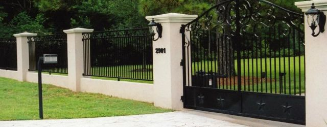 Front Yard Fence With Driveway Gate