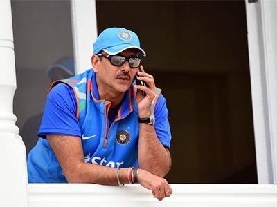 भारतीय क्रिकेट संघाचे नवे प्रशिक्षक रवी शास्त्रींचे वर्षाचे मानधन फक्त ७ कोटी!
