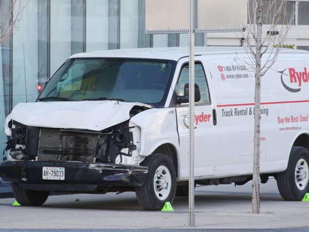कॅनडात VAN ATTACK: 10 जणांचा मृत्यू; ड्रायव्हर म्हणतो, माझ्या डोक्यात गोळ्या घाला!
