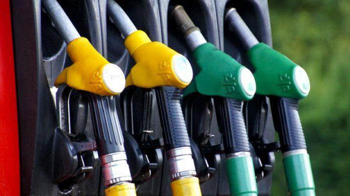 पेट्रोल-डिझेल पुन्हा झाले स्वस्त, जाणून घ्या आजचे दर