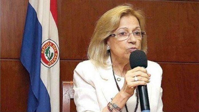 पॅराग्वेच्या पहिल्या महिला राष्ट्रपती 'एलिसिया पुचेता'