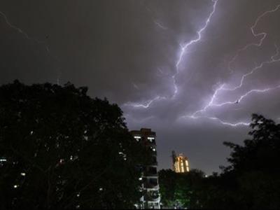 पाऊस...१५ राज्यांना वादळाचा धोका; हरयाणात शाळा बंद