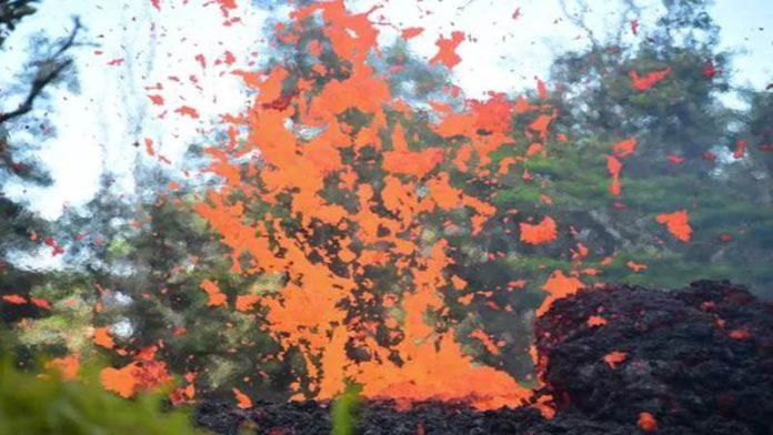 हवाईत ज्वालामुखीचा उद्रेक-200 फूट उंच लाव्हा उसळला