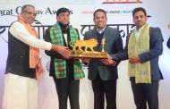 मावळचे खासदार श्रीरंग बारणे यांचा 'भारत गौरव' पुरस्कार देवून सन्मान