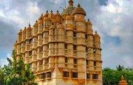 पुण्यात दगडूशेठ आणि मुंबईत सिध्दीविनायक मंदिराबाहेर भाविकांची गर्दी