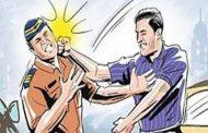 मार्शल ड्युटीवरील पोलिसांच्या अंगावर धावून जात सरकारी कामात अडथळा; पाच जण अटकेत