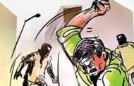 कापड दुकानात राडा घातल्या प्रकरणी तिघांवर गुन्हा दाखल