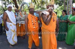 Acharya-Vardhamansagarji-Maharaj-Mangala-Pravesha-Shravanabelagola-Bahubali-Mahamasthakabhisheka-Mahamastakabhisheka-2018-002