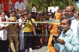 Acharya-Vardhamansagarji-Maharaj-Mangala-Pravesha-Shravanabelagola-Bahubali-Mahamasthakabhisheka-Mahamastakabhisheka-2018-008