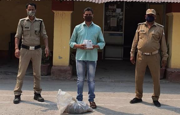 37 अवैध शराब के पव्वो के साथ एक गिरफ्तार