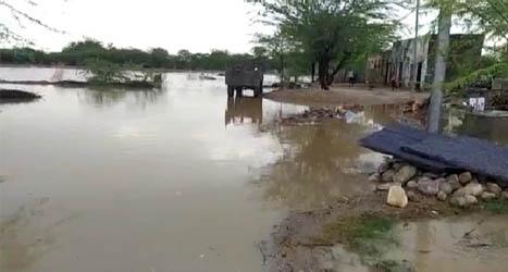 तेज बारिश के कारण जाम हुआ नेनपुरिया गाडोलिया बस्ती का रास्ता